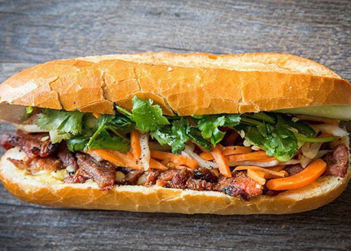 Bánh mì Hà Nội được mệnh danh là một trong những món ngon nhất thế giới