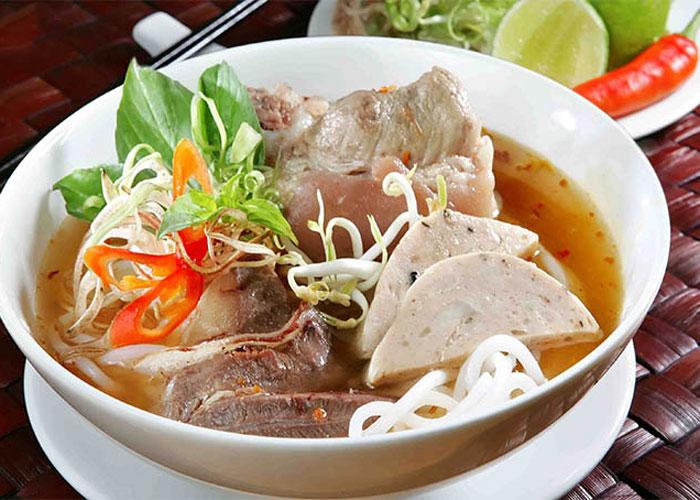 Món bún bò Huế nổi tiếng